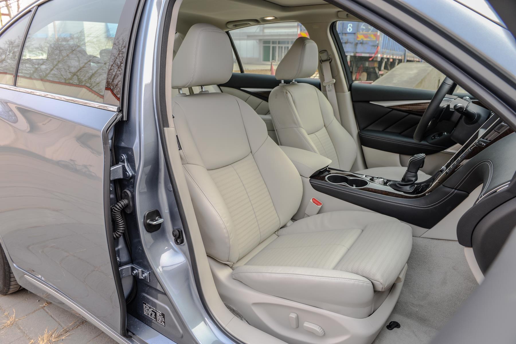 舒适与运动兼得 2018款英菲尼迪Q50L试驾