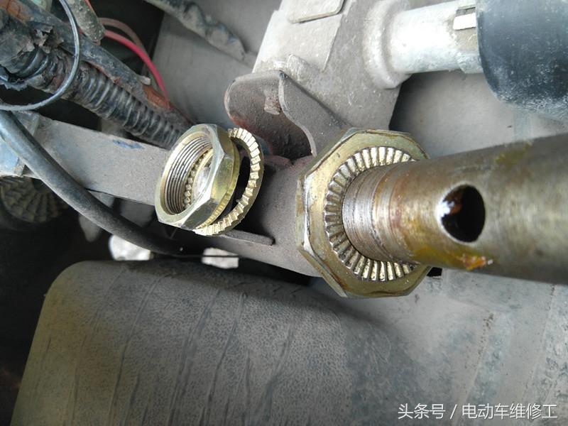 電動車最近晃動特別厲害,好怕車頭會斷,拆出來維修保養換七件套