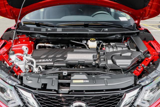 日產逍客屬于精品日系SUV,比繽智性價比高,2.0L CVT,僅15.49萬