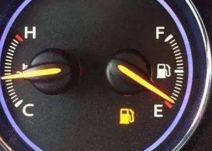 油箱剩多少油再加最适宜?光看油表灯是不准的,还需要这样去判断