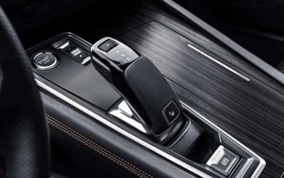無級變速箱和手自一體哪個更好,讓老司機來給你講講吧