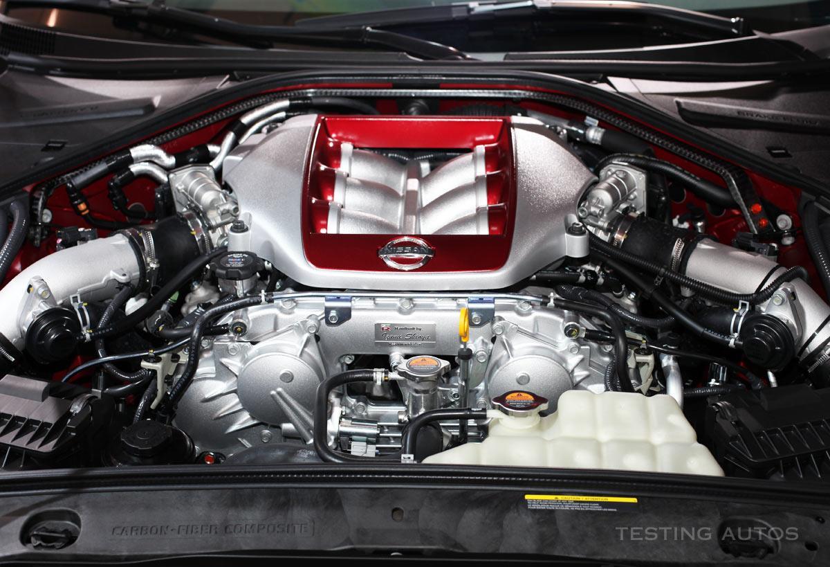 """""""廉價粗糙""""的日產GT-R憑什么這么快?"""