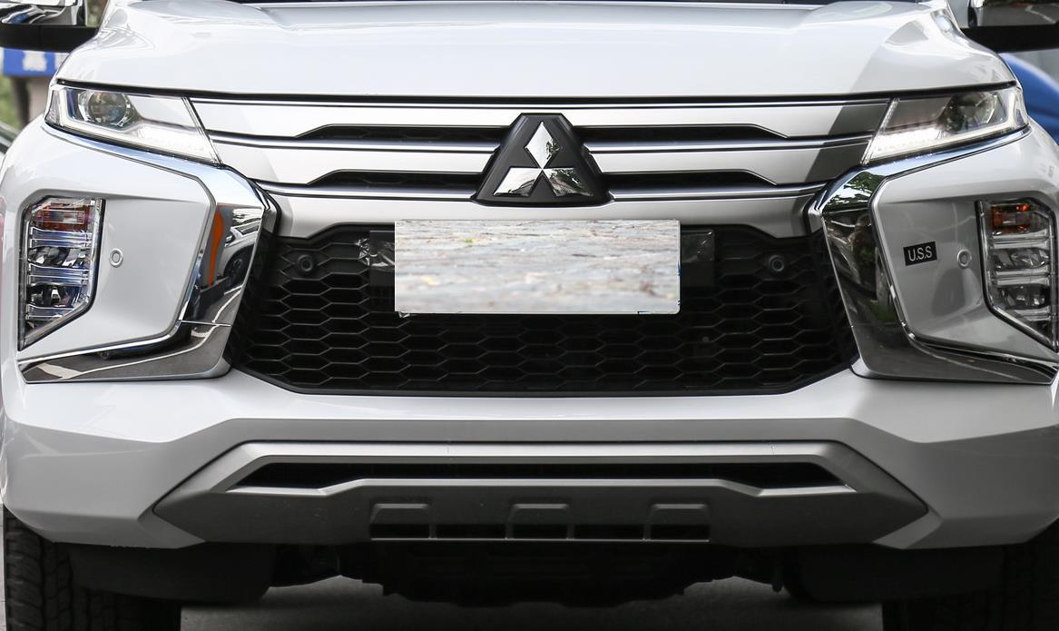 30萬拿到V6越野SUV,純進口入華,三菱帕杰羅勁暢具體表現