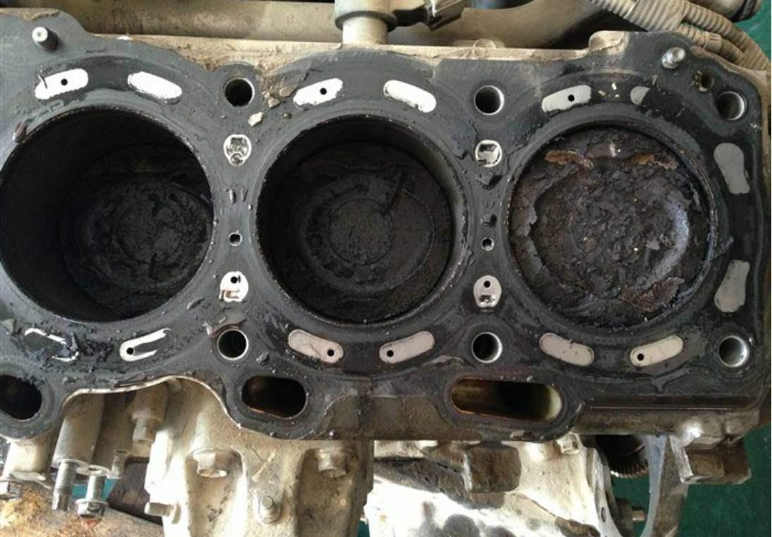花幾百元給發動機清洗積碳,修理師傅告訴你,你被套路了