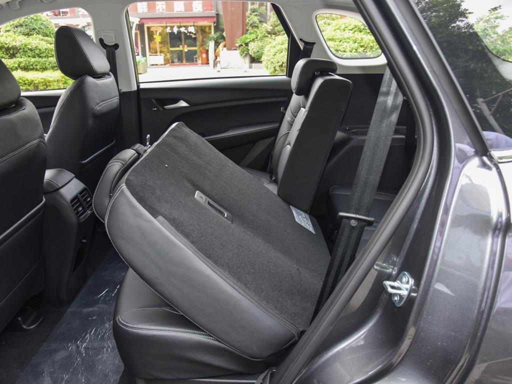 寶駿530,一輛神奇的SUV,國內賣7萬多,國外賣27萬多