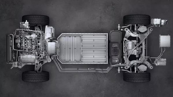 能跑1000公里的电动车?YYP和你看理想智造ONE