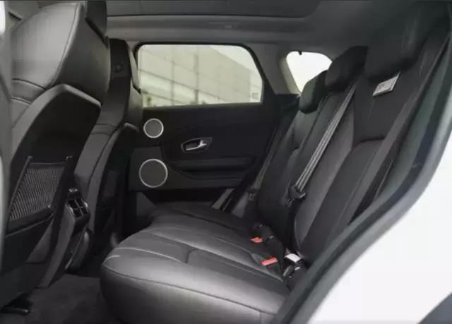 弹个车首付4.58万,18款路虎揽胜极光,高颜值实力派都市SUV