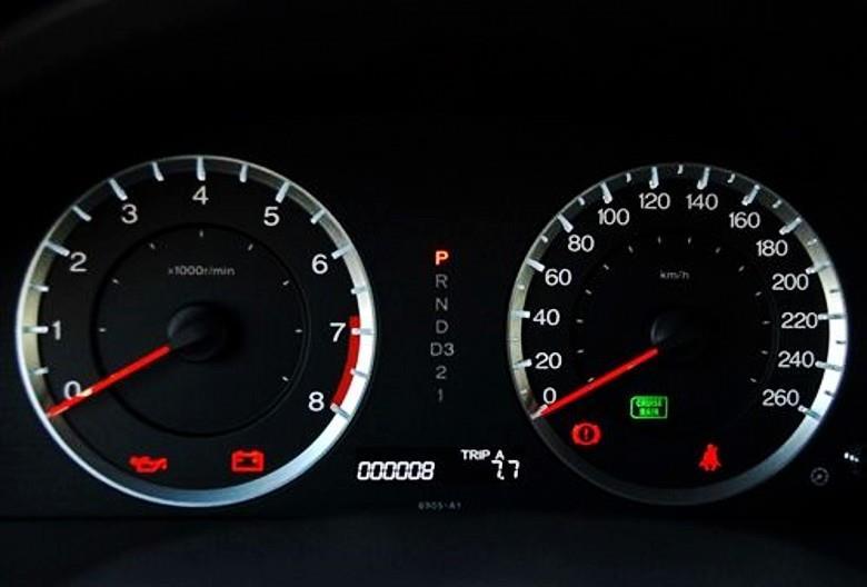 汽車轉速表怎麼調整(轉速表不動影響開車嗎)【汽車時代網】