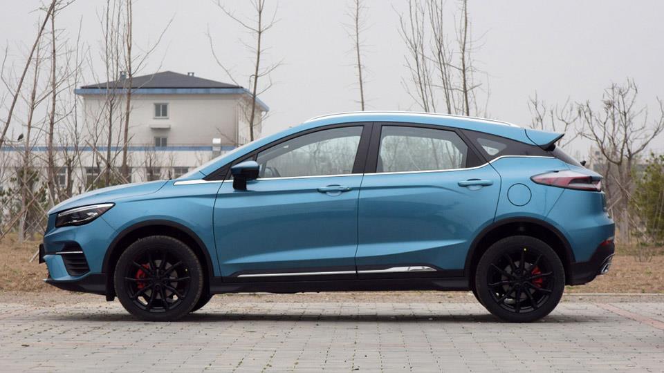 吉利新SUV预售起步价不到9万,除了双大屏还有啥