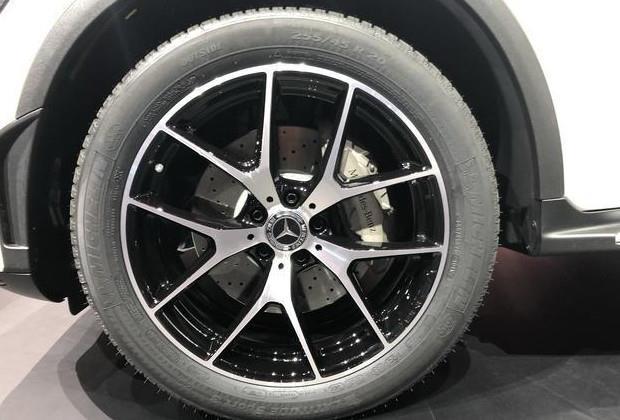 奔驰新款GLC L售价39.28万起,奥迪Q5L和宝马X3准备好了吗?