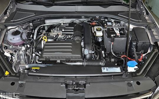 大众新一代宝来怎么样?6AT变速箱比较省心,更适合家用