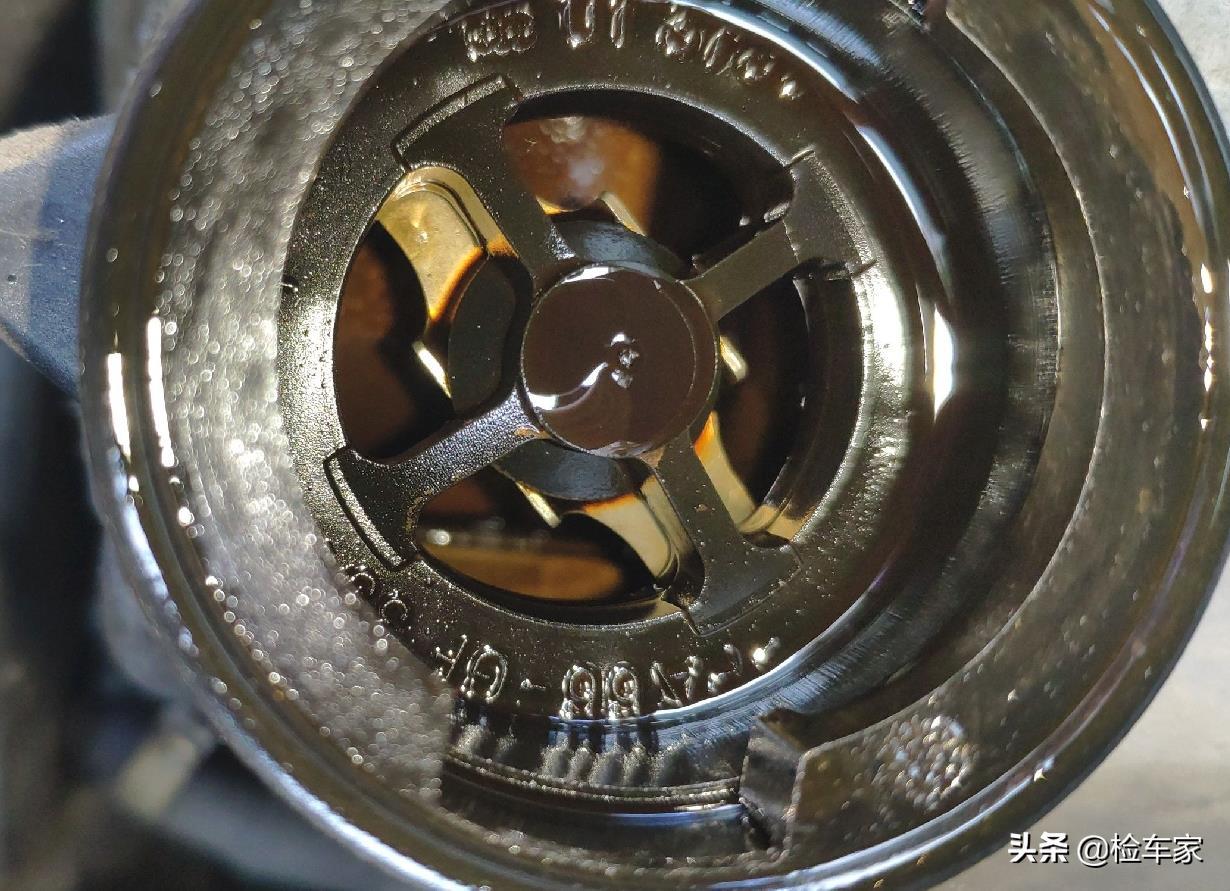 开了13年的奔驰G55要价68万,看完车买家直言:这算是捡漏了