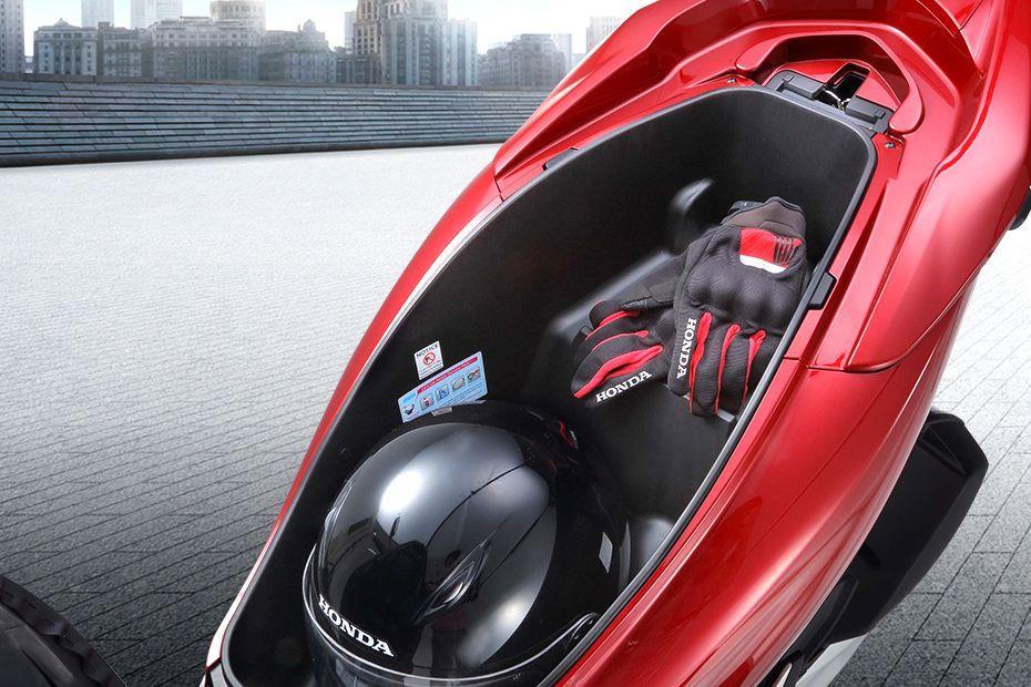 解析热议新车:本田PCX150