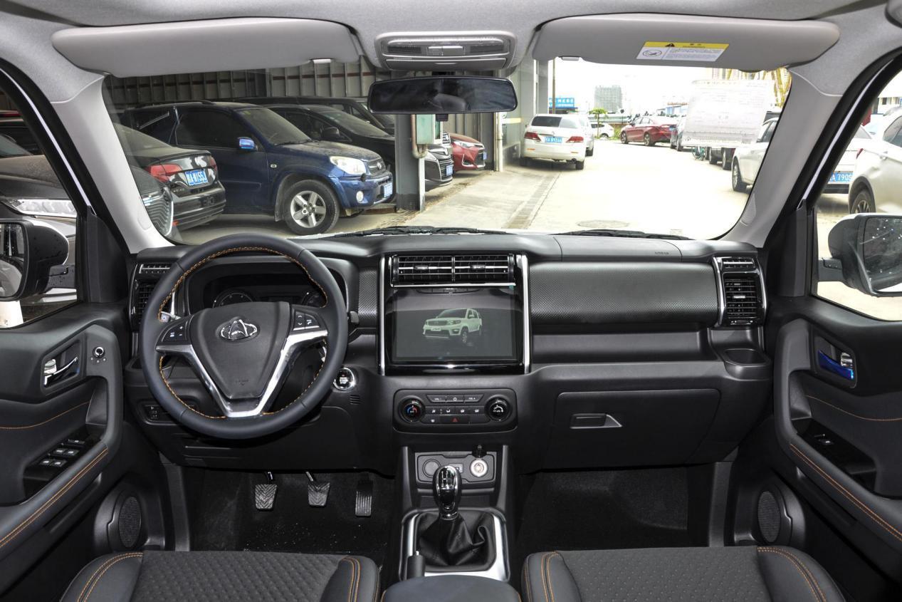 """新晋""""奶爸""""车,7个座,5.25万起,欧尚X70A值得买吗?"""