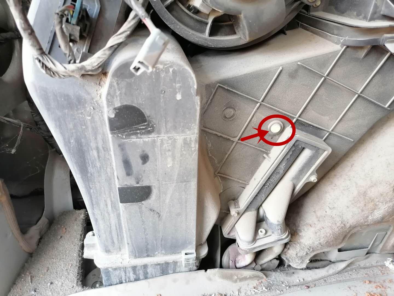 34万公里的GL8老陆尊维修空调艰难历程,冷媒泄漏、压缩机磨损