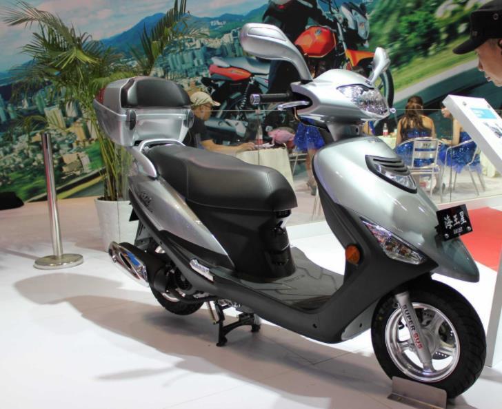 """""""上古时代""""的代步踏板,水晶透镜和无螺丝设计,单缸风冷电喷"""