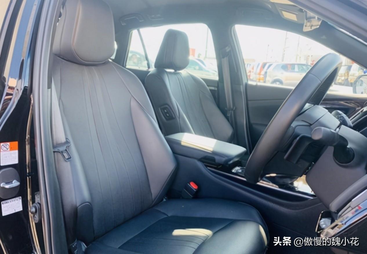 """海外版""""皇冠""""实锤了,正式换装3.5 V6混动 CVT,售价36万起"""