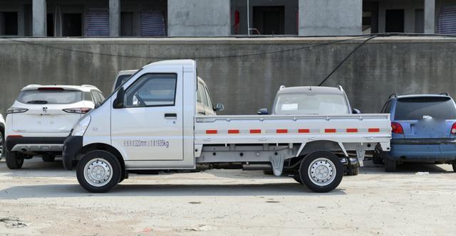 3.56-4.88万,五菱荣光小卡车型,符合国六排放标准