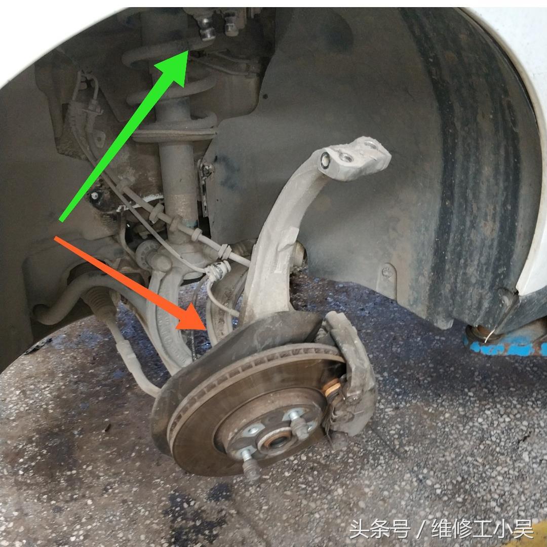 奥迪Q5外球笼防尘套漏油,师傅:不换防尘套的话,半轴就要更换!