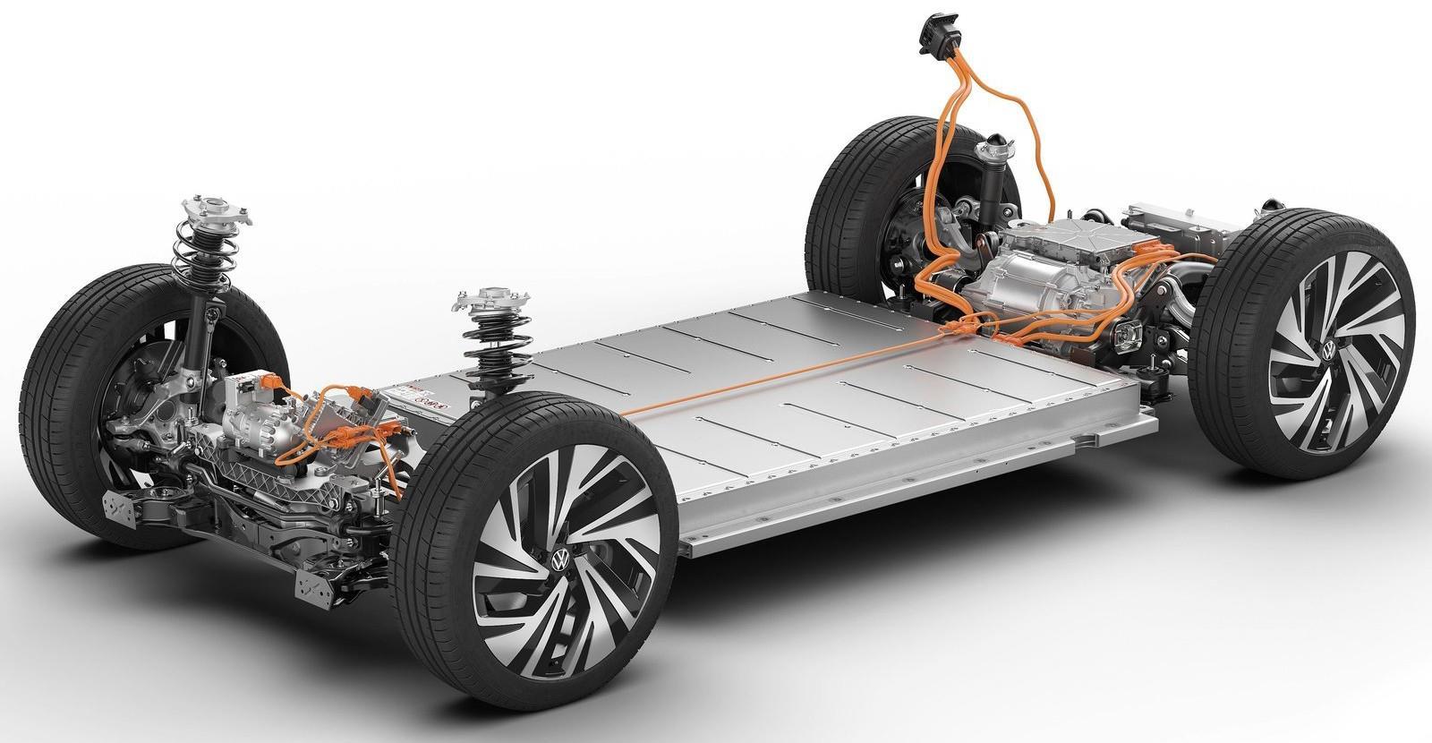 想买1.5T奔驰E级的且慢!2.0T发动机就要回来了