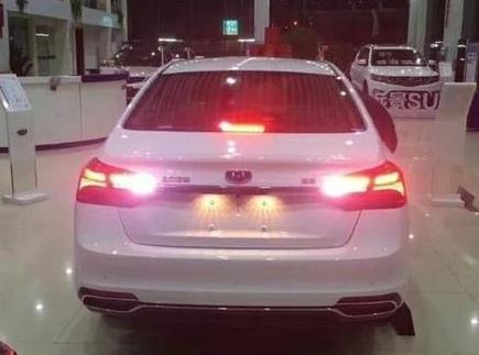 喜事连连:吉利90亿收购奔驰,2018款全新帝豪3月登场,7万起售!