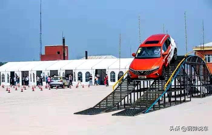 捷达VS5提车第一人,最小离地间隙155毫米,上下车方便,再见逍客