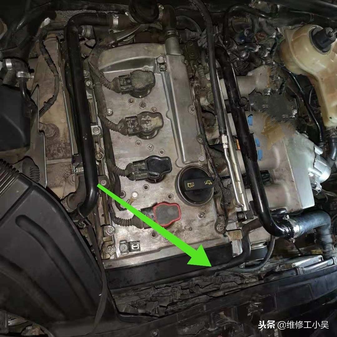 开了10年的奥迪发动机有故障,车主生气:便宜的配件真不能用!