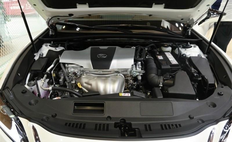 宝马3系/雷克萨斯ES 裸车不加价 落地却高出指导价8万