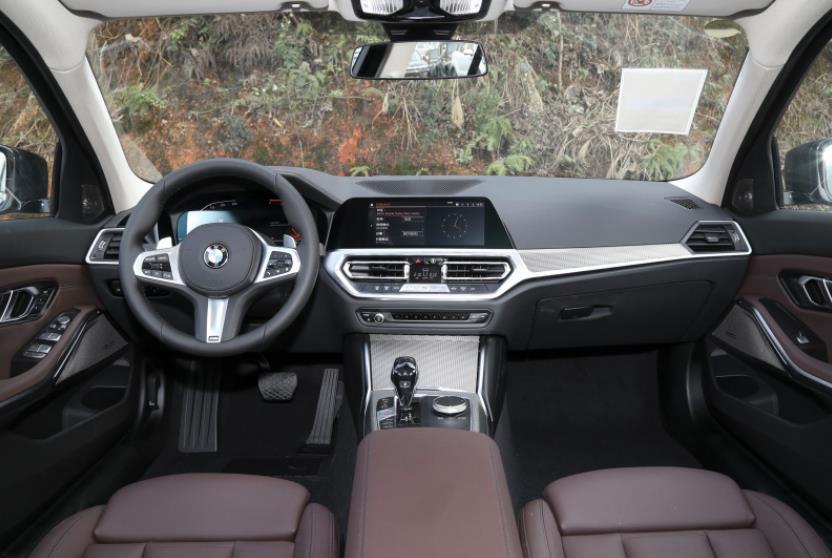 宝马3系降至25.86万,销量超越奔驰C级、奥迪A4L
