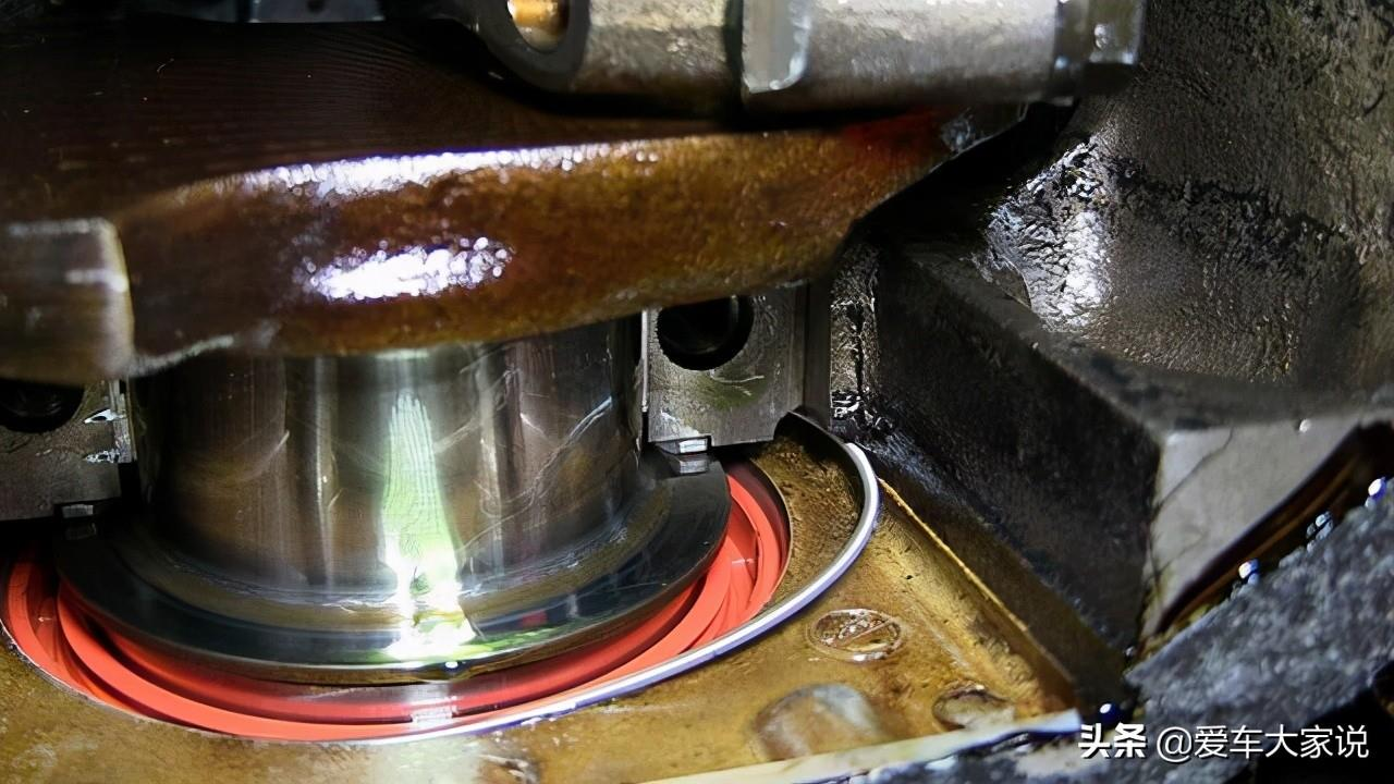 汽车长期停放不开,是否需要定期启动发动机,启动多久合适呢?