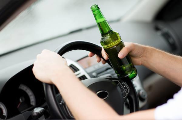 """假如喝了一瓶啤酒,多久后开车才不算是""""酒驾""""看完涨知识了"""
